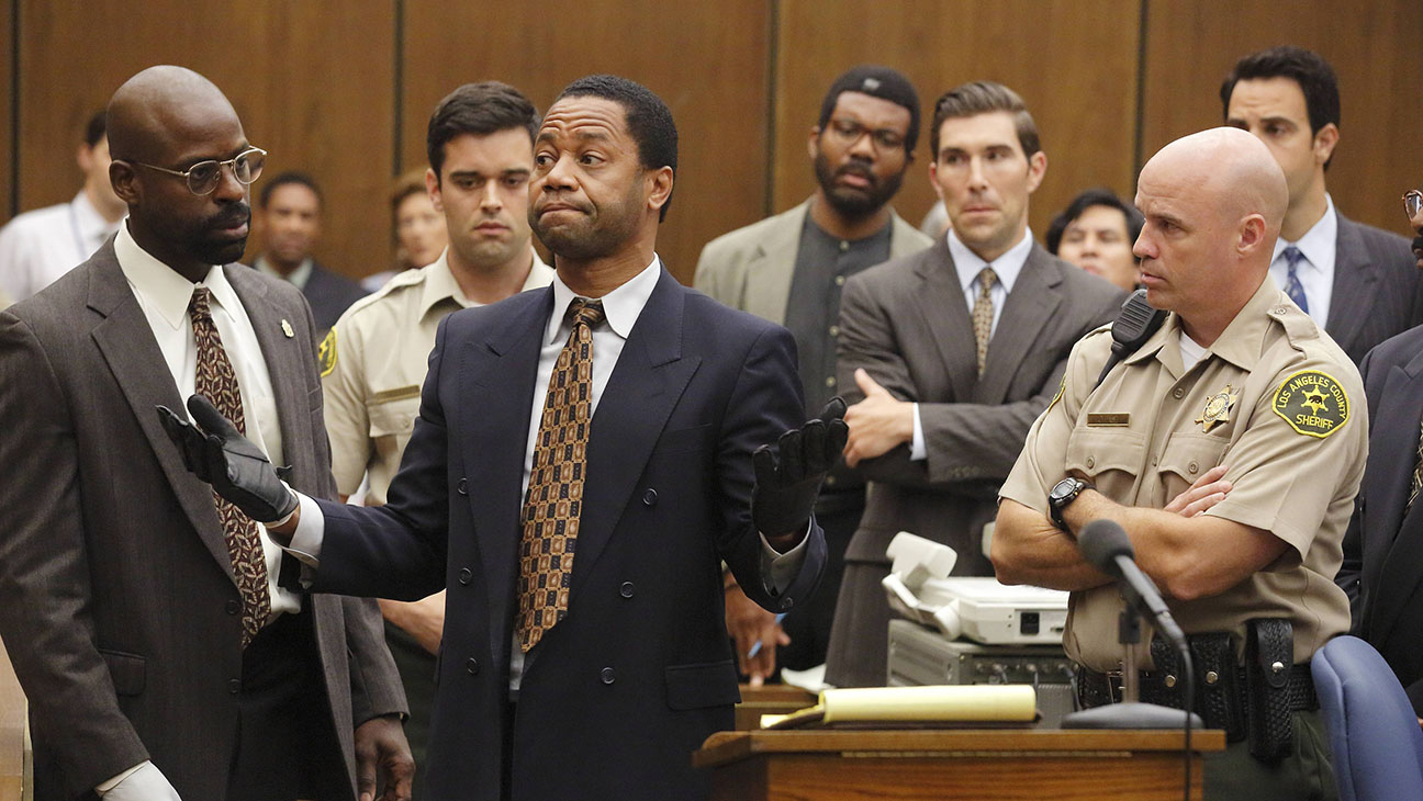 7. Hvilket overhoved i en celeber familie spiller en central rolle i 'American Crime Story: The People vs. O.J. Simpson'?