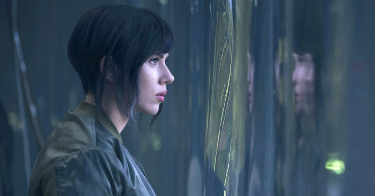 Scarlett Johansson reagerer på whitewashing-kritik af 'Ghost in the Shell'-rolle