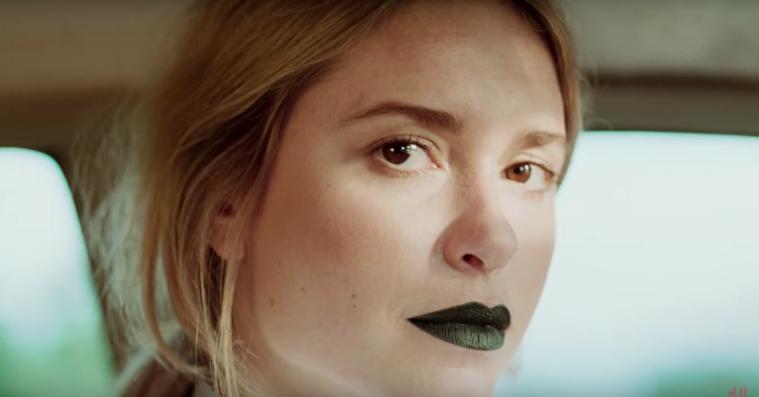 H&M slår et slag for alle slags kvinder i ny kampagnefilm – inklusiv Pernille Teisbæk