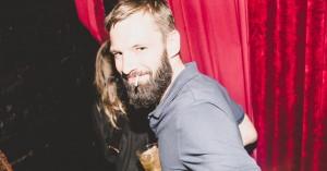 10 skæve til klubkongerne Simon & Simon: Om gangbangs, karaoke og Casper C's festvaner