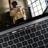 Apple præsenterer ny Macbook Pro med touchskærm over tastaturet