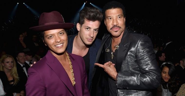 Mark Ronson og Bruno Mars hives i retten for 'Uptown Funk'