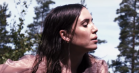 Lykke Li debuterer som instruktør med nudistvideo til supergruppen Livs 'Wings of Love'