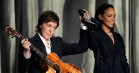 Se Paul McCartney og Rihanna spille 'FourFiveSeconds' på Desert Trip