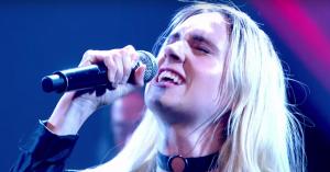 Mø vil i byen: Hør den nye single 'Nights With You'