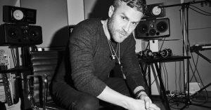 """Musikproducer og manager Rasmus Stabell: """"Jeg arbejder kun med artister, der er 100 % dedikerede."""""""