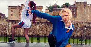 Grimes deler syv nye vilde videoer: »No crew, makeup, cameras, lights – just us and a phone«