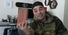 YouTuber tester Supremes udsolgte 200 kroners-mursten ved at kyle den ud fra altan