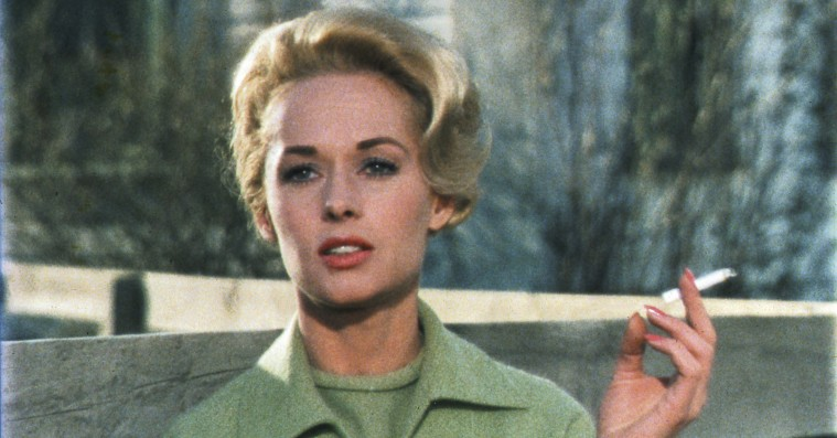 Skuespillerstjernen fra 'Fuglene' taler ud om Hitchcocks sexovergreb