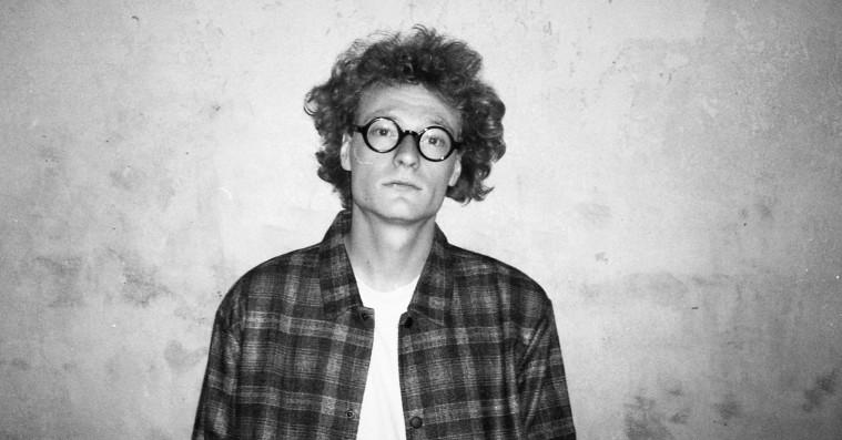 Uffe byder op til konceptuel kædedans i klubben