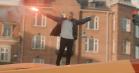 TopGunn rapper fra toppen af 5A på Nørrebrogade i videoen til 'Længe siden'