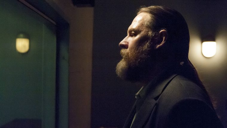 SONS OF ANARCHY-- J'ai Obtenu Cette -- Episode 513 (Airs Tuesday, December 4, 10:00 pm e/p) -- Pictured: Donal Logue as Lee Toric -- CR: Prashant Gupta/FX