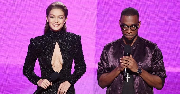Gigi Hadids jokes var tåkrummende, men hendes outfits fejlede ikke noget