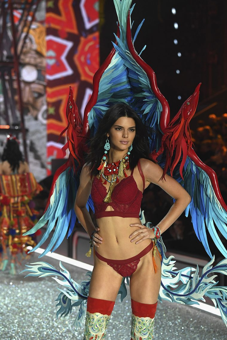 PARIS, FRANCE - NOVEMBER 30: Kendall Jenner walks the runway at the Victoria's Secret Fashion Show on November 30, 2016 in Paris, France. (Photo by Pascal Le Segretain/Getty Images for Victoria's Secret)