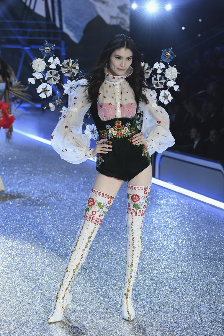 PARIS, FRANCE - NOVEMBER 30: Sui He walks the runway at the Victoria's Secret Fashion Show on November 30, 2016 in Paris, France. (Photo by Pascal Le Segretain/Getty Images for Victoria's Secret)