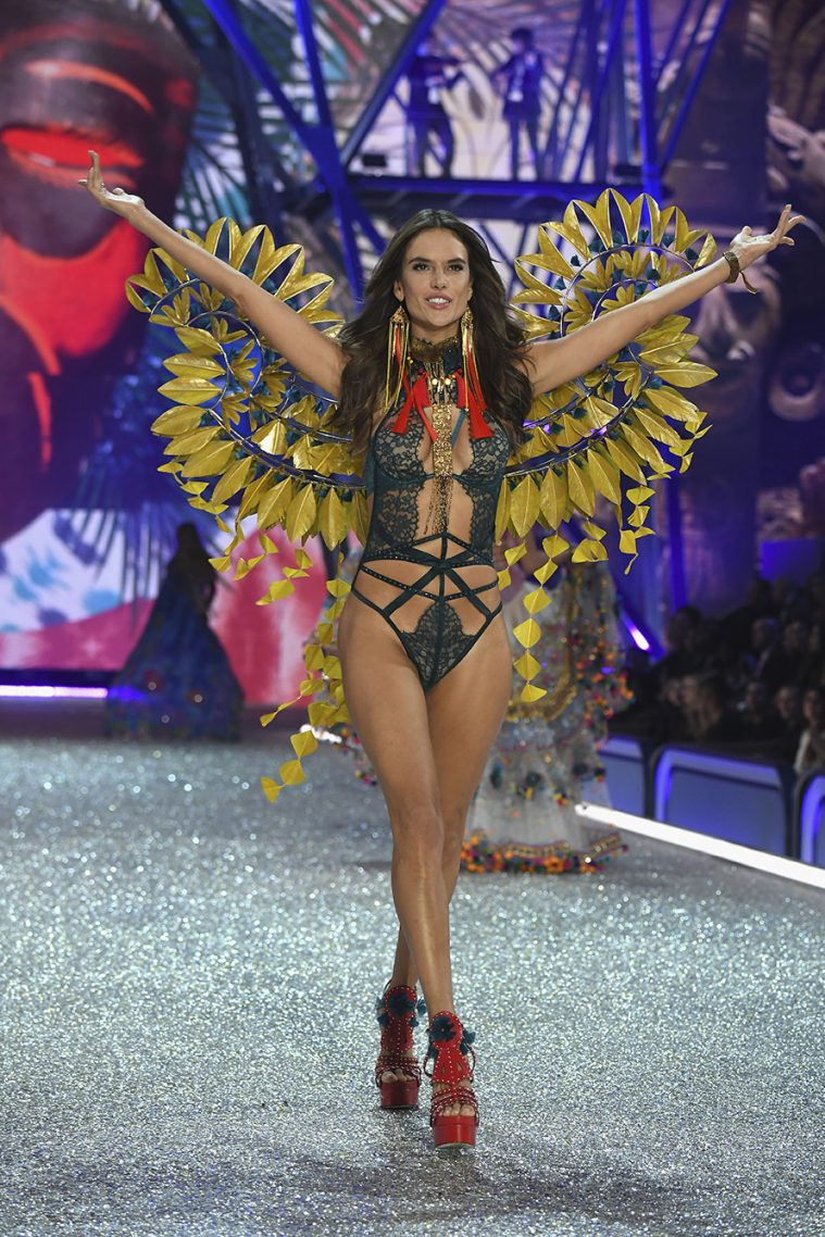PARIS, FRANCE - NOVEMBER 30: Alessandra Ambrosio walks the runway at the Victoria's Secret Fashion Show on November 30, 2016 in Paris, France. (Photo by Pascal Le Segretain/Getty Images for Victoria's Secret)