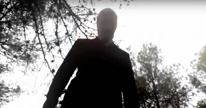 'Beware the Slenderman': Creepy præmis undermineres af simpel sensationsjagt