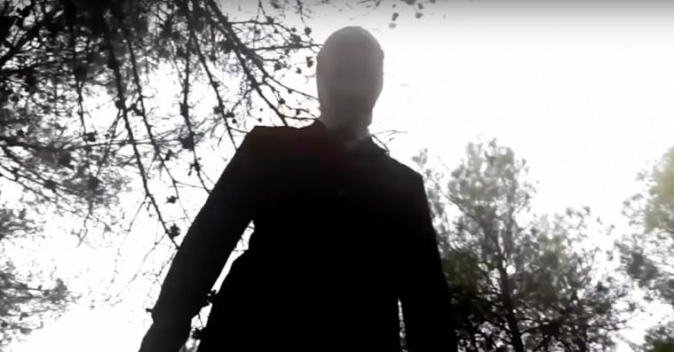 'Beware the Slenderman': Creepy præmis undermineres af simpel sensationsjagt