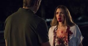 Drew Barrymore er zombie med familieværdier i første trailer til Netflix' 'Santa Clarita Diet'