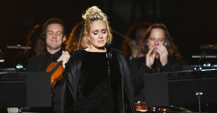 Grammy Awards: Rørt Adele afbryder George Michael-hyldest for at begynde forfra