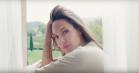 Terrence Malick står bag smuk parfumereklame med Angelina Jolie – og et godt formål