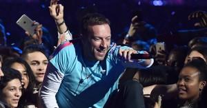 Hvad har vi gjort for at fortjene Coldplays nye single med The Chainsmokers?