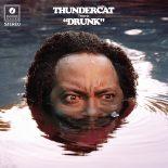 Basvirtuosen Thundercat er befriende ukonventionel, groovy og grotesk på 'Drunk' - Drunk