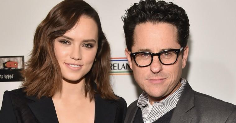 Chris Pratt, Penélope Cruz og J.J. Abrams udfritter Daisy Ridley om kommende 'Star Wars'-film