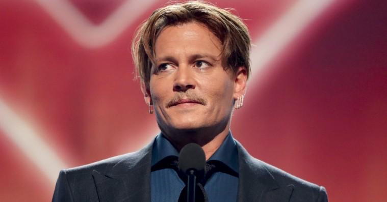 Johnny Depp sagsøges for at slå medarbejder på filmset