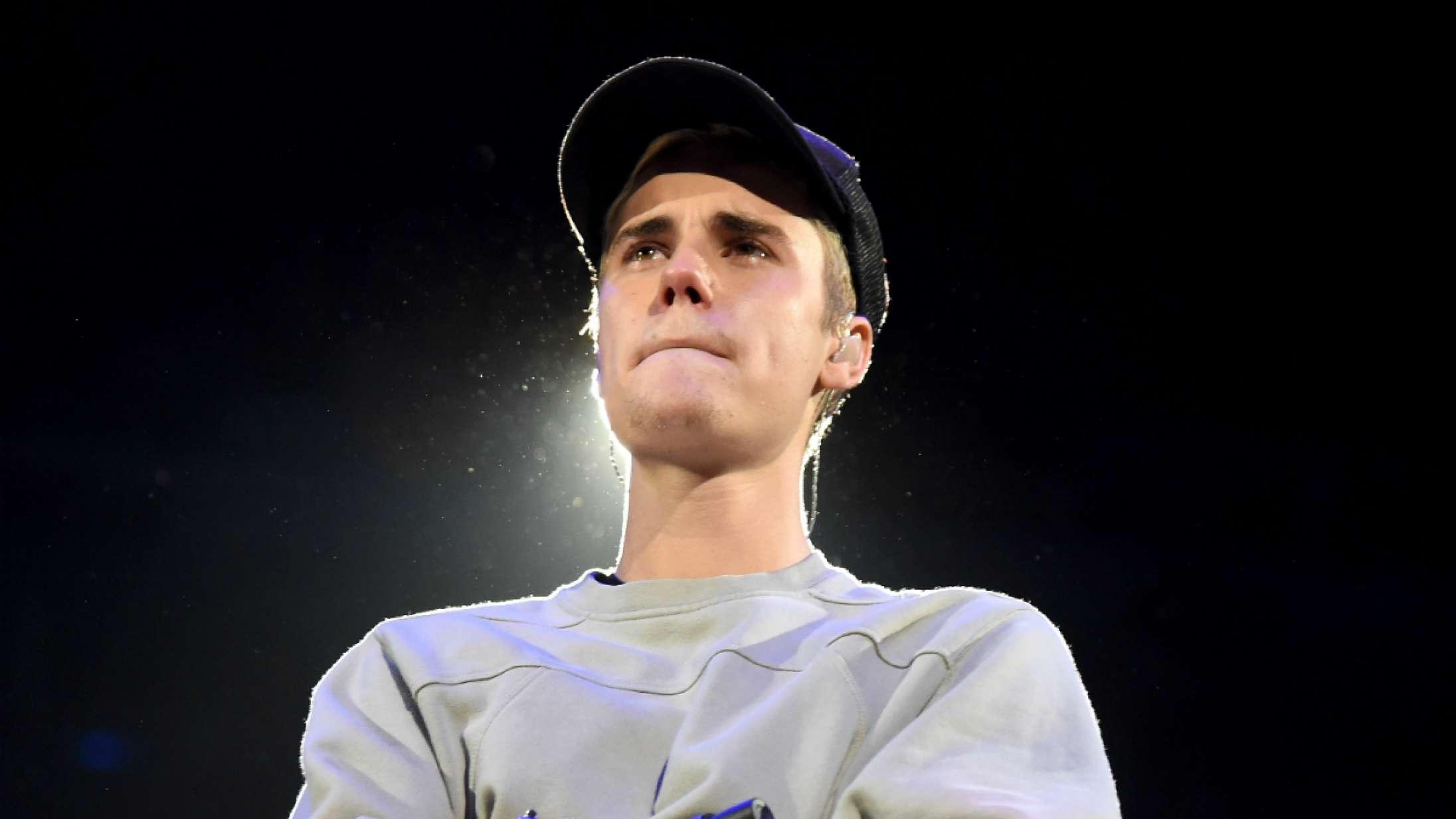 Justin Bieber på grådens rand, da han bliver præsenteret for specialbygget bil