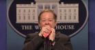 Melissa McCarthys Sean Spicer er »helt rolig«, men vredere end nogensinde i ny 'SNL'-sketch