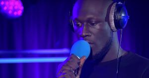 Stormzy leverer blændende cover af Kanye Wests 'Ultralight Beam' – se video