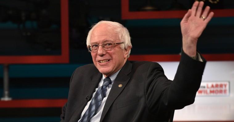 Bernie Sanders griner af Balenciagas kampagnekopi: »Jeg er ikke modeekspert«