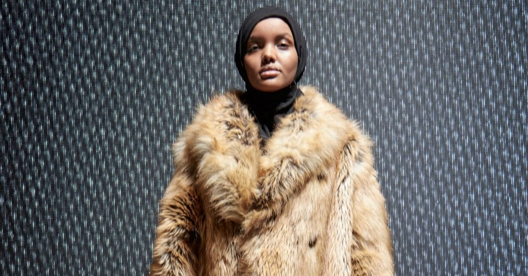 Få styr på hijabklædte Halima Aden, der stjal 'Yeezy Season 5'-showet