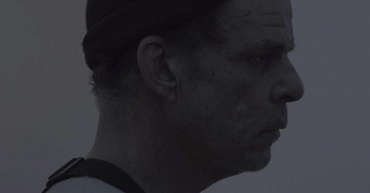 'Gray House': David Lynch Jr. star bag obskur og flad kunstfilm
