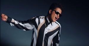 Bruno Mars viser sine magnetiske moves frem i ny musikvideo til 'That's What I Like'