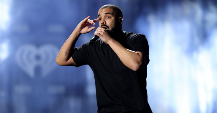 Drake giver sin gamle rival et shout-out: »Free Meek Mill«