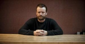 Frank Hvam: »Der er ikke nogen som danskere, der kan sparke vores egne ned«