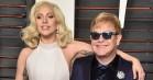 Se Lady Gaga og Stevie Wonder synge fødselsdagssang for Elton John