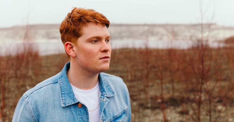 Karl William er 'Forstenet' på sin nye single – hør den her