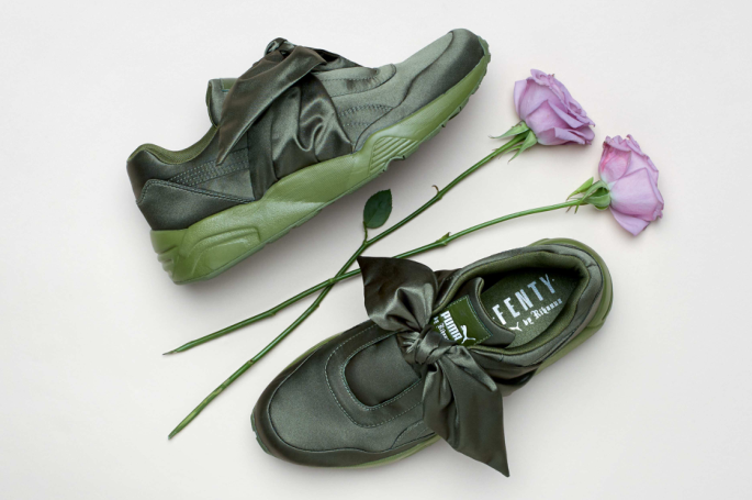 LOW-RES_17SS_CC_Fenty-Collection_Bow-Trainer_Product_0219