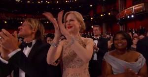 Nicole Kidman forklarer, hvorfor hun klappede som en funktionsnedsat sæl under Oscarshowet