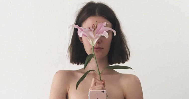 Svensk fotograf og model laver bog med censurerede Instagram-billeder