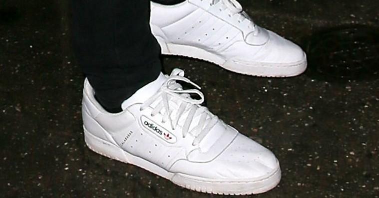 Kanyes Calabasas-sneakers lander snart – dansk model har allerede et par