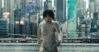 'Ghost in the Shell': Sci-fi-action med Scarlett Johansson er et visuelt festfyrværkeri