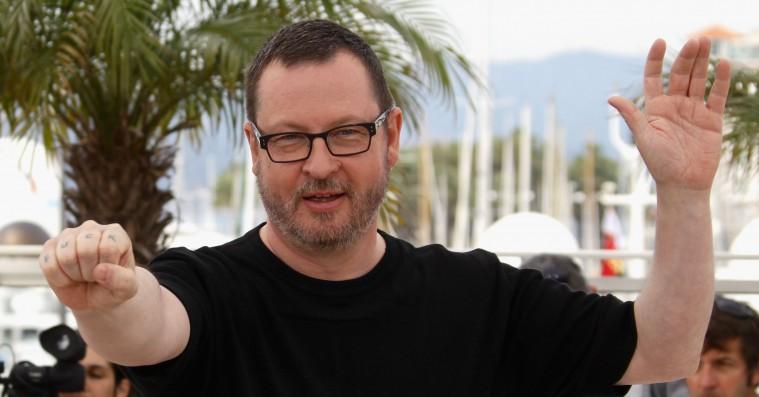 Efter flere dage på pinebænken: Lars von Trier tilbage på Cannes-festivalen – men i yderposition