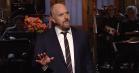 Louis C.K. i storform hos 'SNL': Se hans åbningsmonolog om høns, giraffer og racisme
