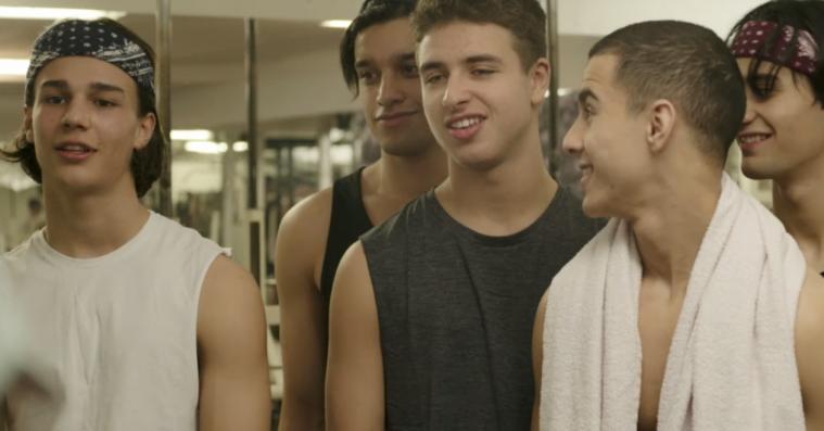 Det 18-årige 'Skam'-sidekick Adam Ezzari viser lovende takter som rapper