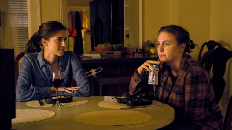 Marnie (Allison Williams) og Hannah (Lena Dunham) i 'Girls' sidste episode, 'Latching'