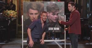 Hemsworth, Pratt, Evans og Pine: Alverdens Hollywood-Chris'er rodes sammen i SNL-åbning